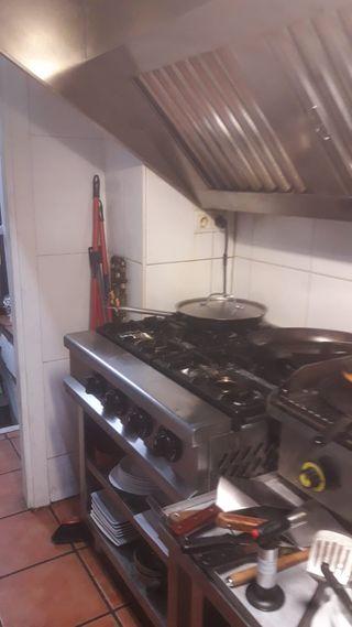Cocina industrial de 4 fuegos sin horno