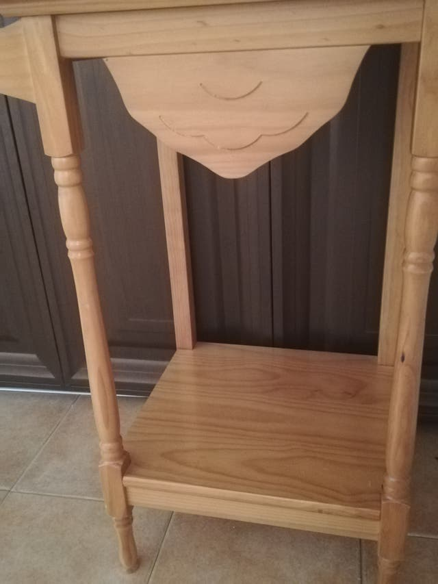 Toallero de madera de pino