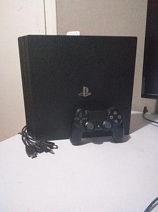 PS4 PRO DE 1 TB (Precio no negociable)