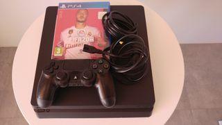 PS4 Slim 1 TB con FIFA 2020