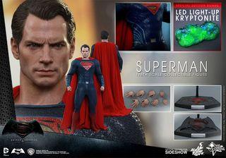 Figura Hot Toys Superman Batman v Superman Special