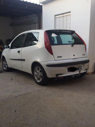 Fiat Punto blanco 1.9cc Año 2001