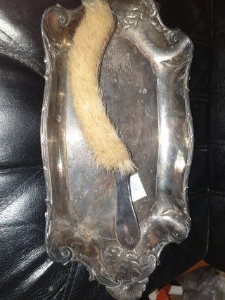 bandeja con cepillo antiguo
