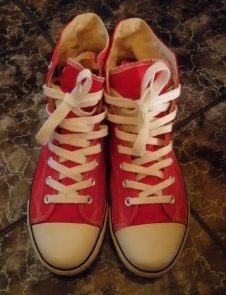 Zapatillas JOHN SMITH num 43 rojas en buen estado
