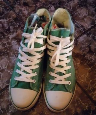 Zapatillas JOHN SMITH num 43 verdes en buen estado