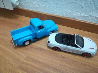 se venden coches maquetas