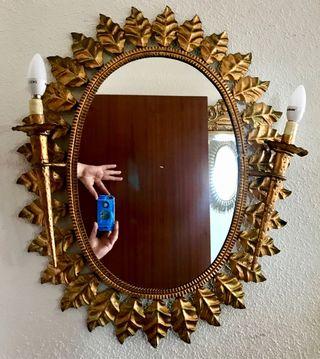 Antiguo espejo sol pan de oro con luces