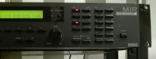 Sintetizador Korg M1R