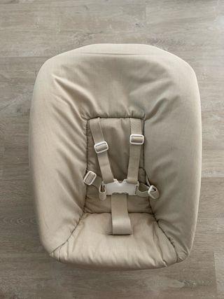 Newborn trona Stokke