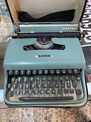 Máquina de escribir Olivetti pluma 32