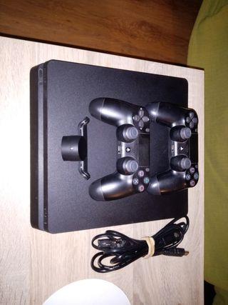PS4 slim 1TB (1000GB) con dos mandos.