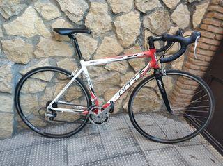 Bicicleta de carretera bh.