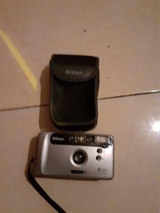 se vende cámara de fotos negociable