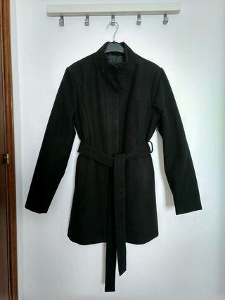 Abrigo negro de mujer Springfield