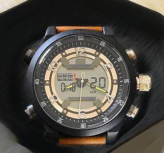 Estilizado reloj militar de diseno rudo