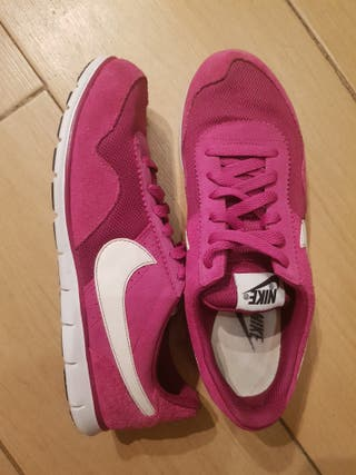 Zapatillas Nike Victoria NM, Rosas