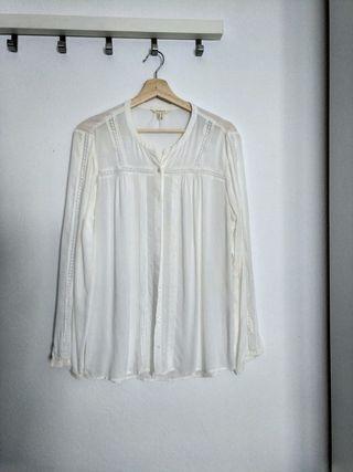 Camisa blanca encajes Springfield