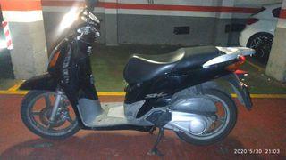 Honda SH 125 en perfecto estado (carburación)