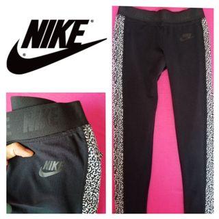 Talla 34 XS De 85€! Leggings nuevos Nike negros