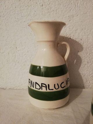 jarra antigua de Andalucía y 7 vasos