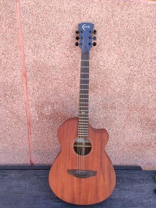 Guitarra electroacústica FAITH Venus naked