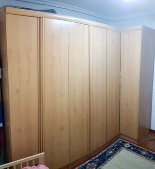 Armario 6 puertas con (rinconero) de madera