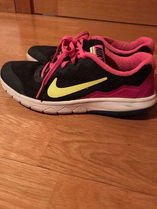 Zapatos nike deportivos