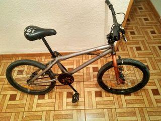 se vende bici BMX