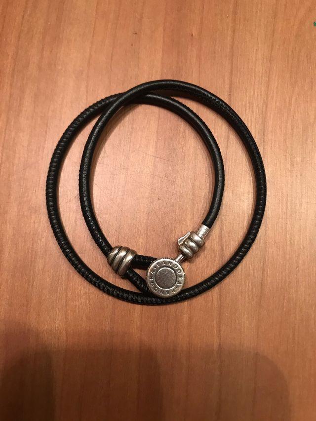 Pulsera doble de cuero negro Pandora. Original