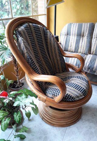 Balancín de bambú y ratán.