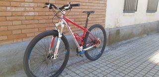 BICICLETA MTB GT 29 PULGADAS.