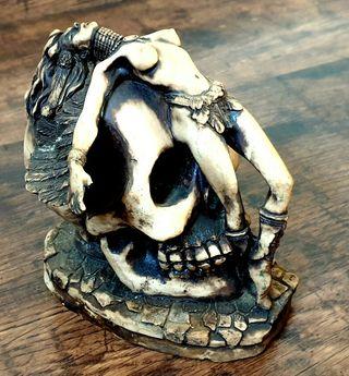 Skull con Ángel tallado Gótico Esoterico