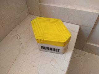 Antigua caja recambios Renault