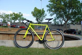Bicicleta FIXIE/PIÑON LIBRE Rocosanto