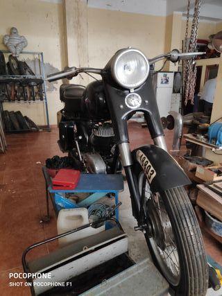 Moto Roa y piezas