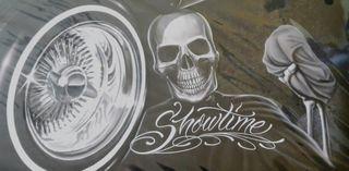Matrícula decoración Showtime.