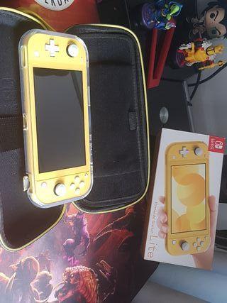 Nintendo Switch Lite + protector + estuche