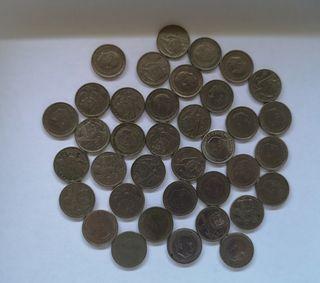 Monedas de 5 pesetas de 1957.