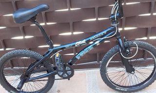 BICICLETA BMX MONTY PERFECTA