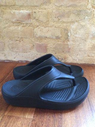 Chanclas plataforma Crocs 37-38