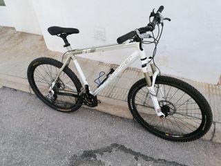 bicicleta montaña rock rider 8.2