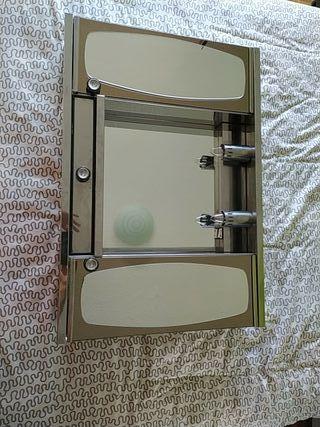 Espejo de baño con iluminación