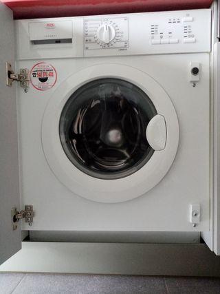 Lavadora integrable AEG Lavamat