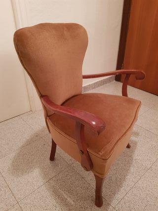 Mini sillón de madera