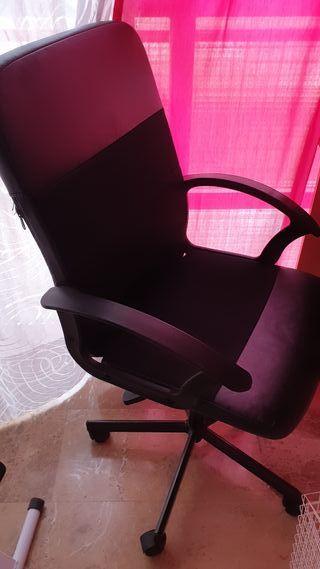 silla de escritor , escritorio , ruedas, etc