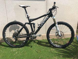 Bicicleta Canyon doble suspensión