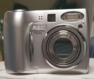 2 cámaras de fotos y 1 de video