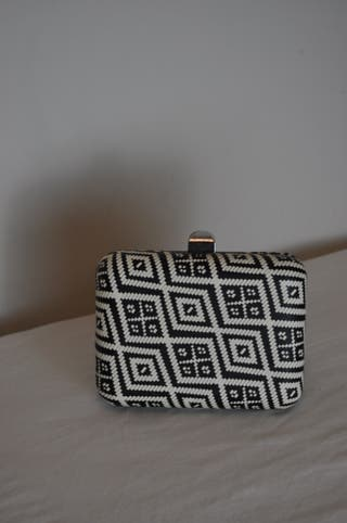 CAJA TEXTURA | Bold accessories, Minaudiere, Zara