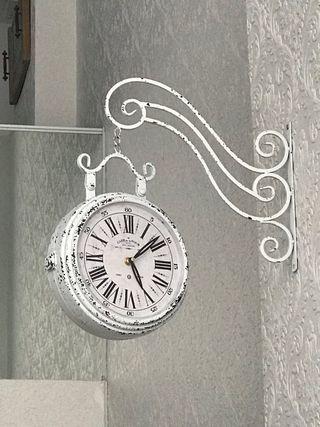 Reloj blanco pared doble cara