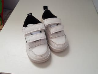 Zapatillas bebe adidas talla 19